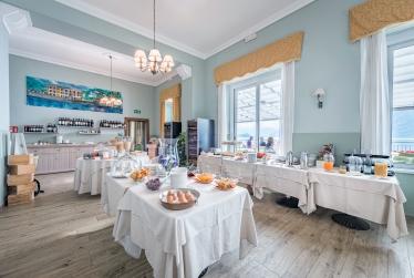 La giornata inizia con una belle collazione Hotel Villa Belvedere Como lake Relais